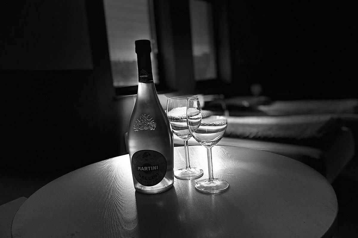 Butelka szampana dla gosci